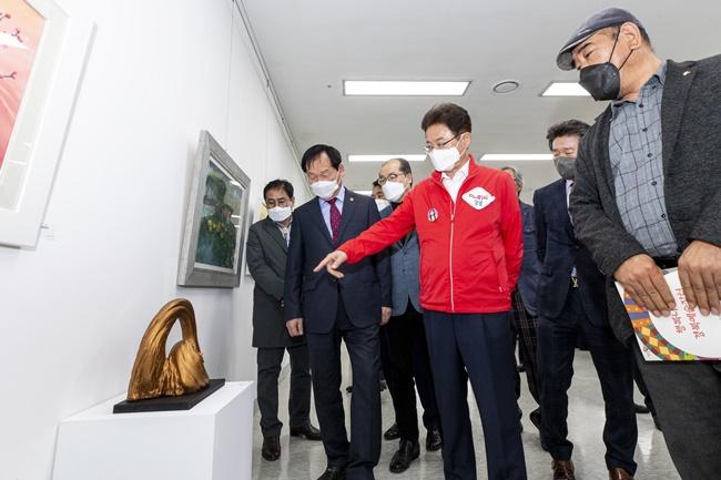 경북도, 지역 예술가 氣 살리기 행복나눔 예술장터 운영