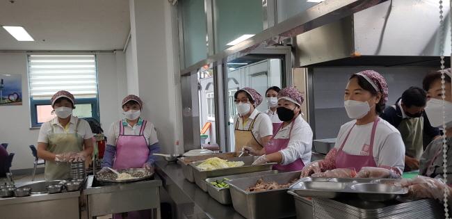 단비봉사회, 장애인종합복지관 급식봉사